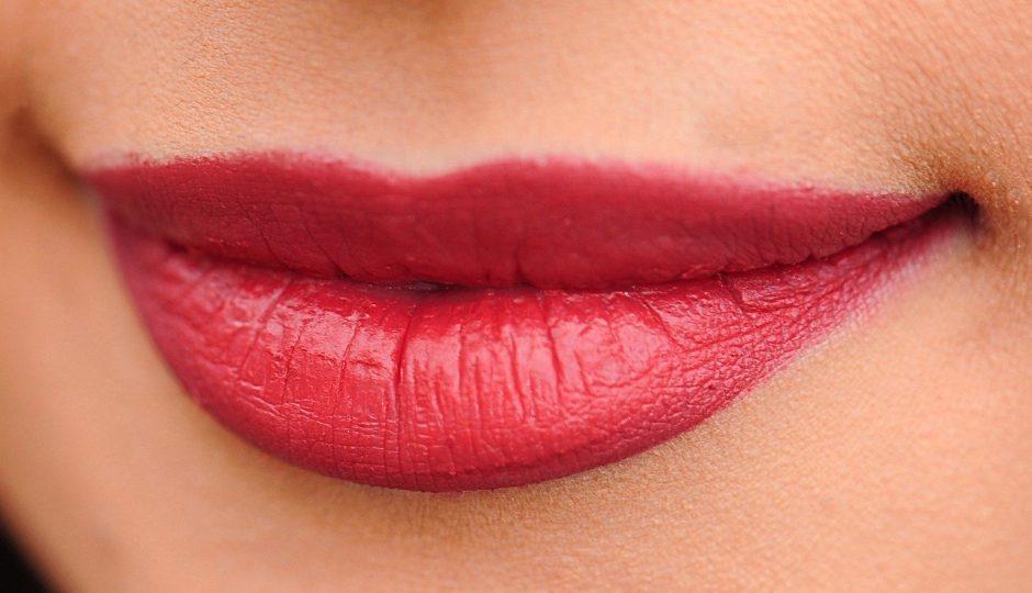 Hyaluron pen pour les lèvres: est-ce que ça marche?