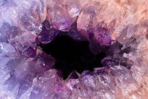 Quelles sont ses vertus des géodes d'améthyste?