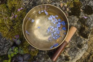 Bol tibétain : son rapport symbolique avec l'eau